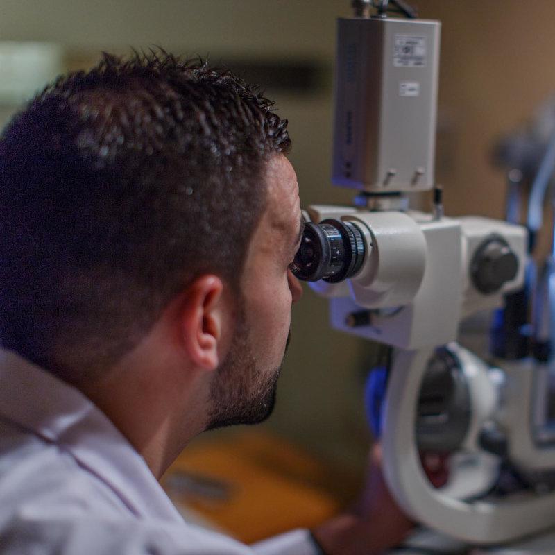Graduando la vista en Opticas Lunic